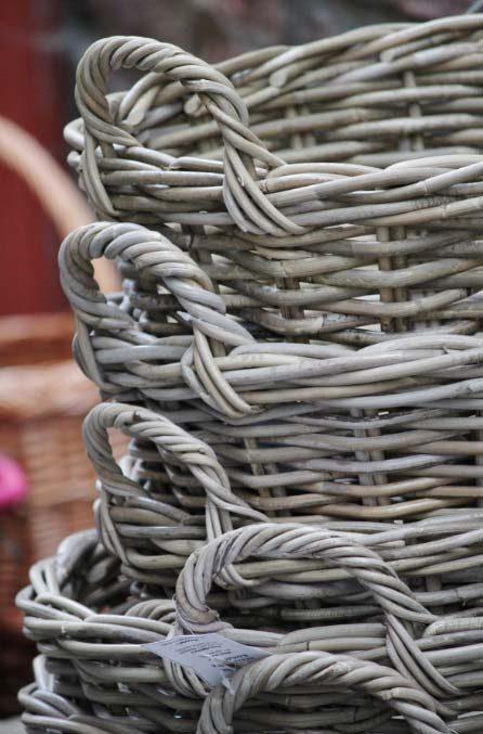 ラタンの籠