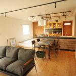 小上りのある和室スペース