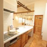ナチュラルな木材のキッチン
