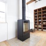 暖炉用タイルがある床