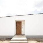 シンプルな家の玄関
