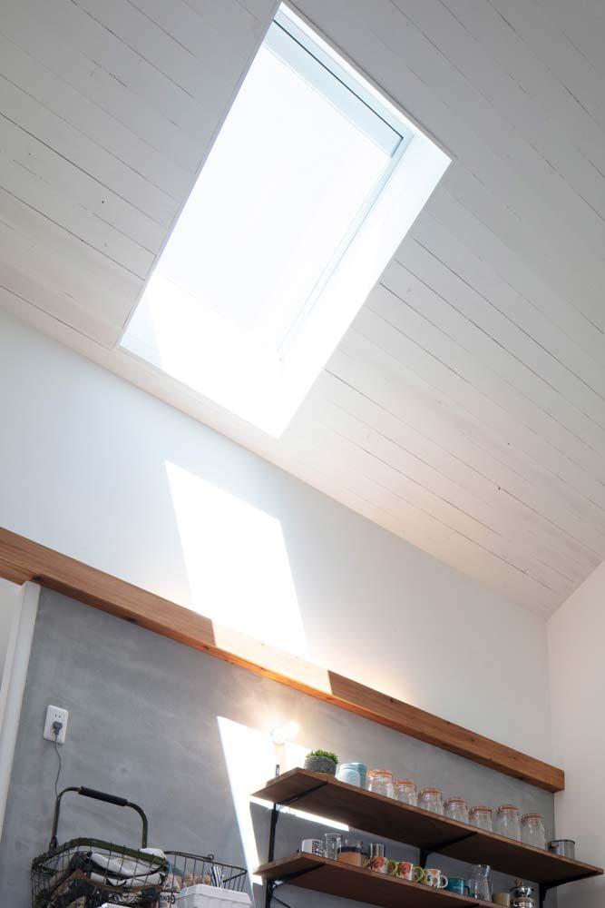 天井照明やトップライトで明るく包み込む