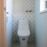 花柄がかわいいトイレ