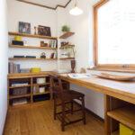 木製の飾り棚