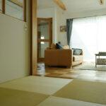 ヘリ無し畳のモダンな和室スペース