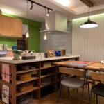 キッチンダイニングの造作棚