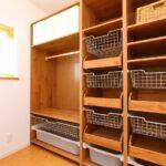 自由設計だからできる、壁一面の大型収納スペース