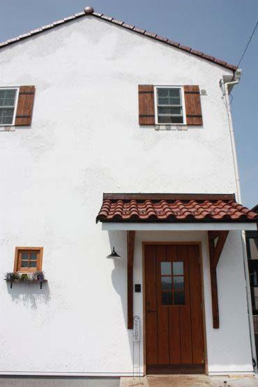 丸いフォルムがナチュラルでかわいいS瓦を使った屋根