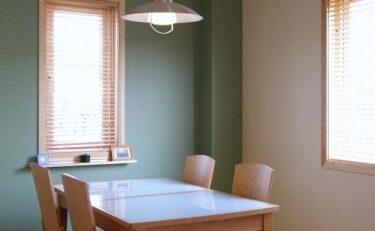 天然素材をふんだんに使った、ツートンカラーの北欧住宅