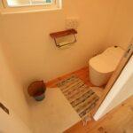 木のぬくもりが感じられるトイレ